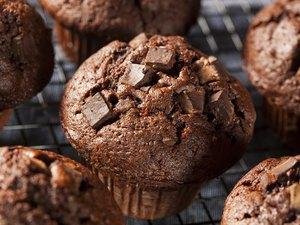 Double Chocolate Chip Muffin cinnamon desserts