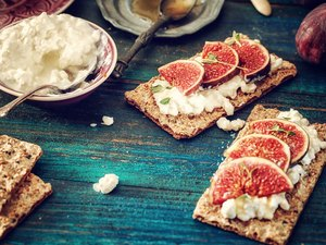 Wheat bran Crispbread with Cottage Cheese, and Figs for high fiber foods