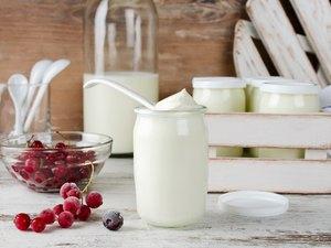 Fresh natural homemade organic yogurt with berries