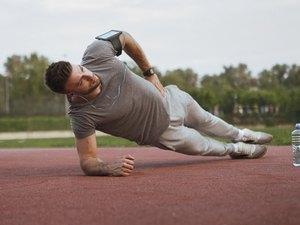 Man doing proper side plank