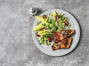 Salmon with fresh salad