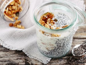 Overnight chia pudding with healthy fats and vitamin F