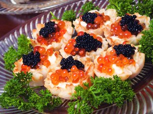 Photo, plate of caviar hors d'oeuvres, Color, High res