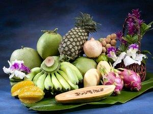 All season Thai fruits arranges on the banana leaf