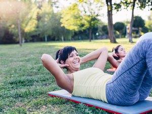 Leg Lifts vs. Crunches