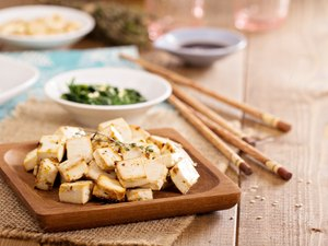 Baked tofu with spices