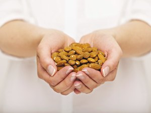 Crunchy Almonds for Your Snack