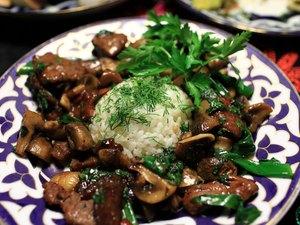 Roast veal with mushrooms