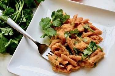Lentil Pasta with Creamy Red Pepper Sauce and Spinach