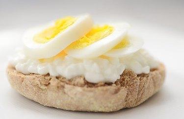 Cheesy Eggwich Sandwich - protein breakfast