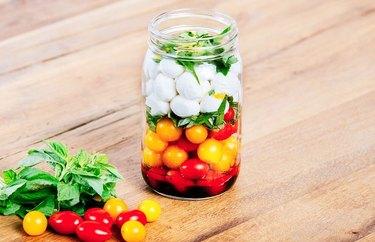 Caprese Mason Jar Salad healthy lunch recipes