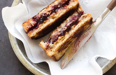 Grilled Peanut Butter and Jelly Sandwich healthy lunch recipes