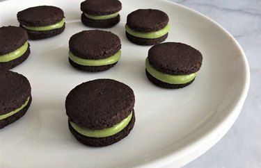 "Mint Matcha ""Oreo"" Cookies Green Tea Recipe matcha dessert"