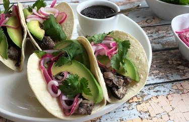 Pulled Pork Tacos with Picked Onions healthy red meat recipes