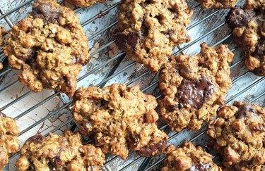 Sweet-n-Salty Chocolate Chip Cookies Cinnamon Desserts