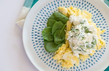 Mediterranean Breakfast Scramble muscle building breakfast recipe.