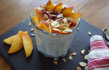 filling breakfast recipes Overnight Peach Melba Oatmeal