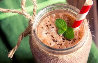 filling breakfast recipes High-Protein Chocolate Breakfast Smoothie