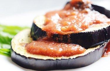 low-calorie dinner recipes Vegan Italian Eggplant Parmesan