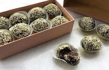 "Chocolate-Mint ""Energy Ball"" Truffles Quick Protein Balls Recipe"