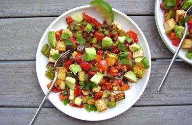 Tex-Mex Vegan Breakfast Hash metabolism boosting breakfasts
