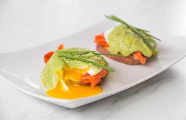 low calorie salmon recipes Avocado Hollandaise Eggs Benedict