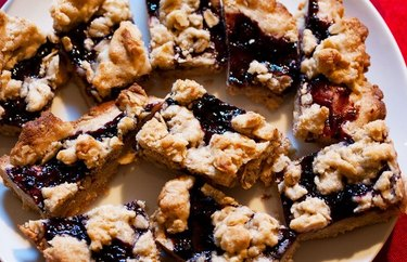 Jam and Oat Bars Baking Recipes That Don't Require Baking Soda, Baking Powder or Yeast