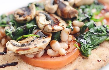 White Bean and Mushroom Pizza