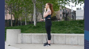 Move 4: Alternating Isometric and Active Biceps Curl