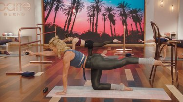 Move 1: Quadruped With Gluteal Lifts
