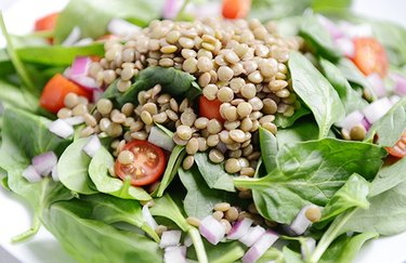Lentil and Tomato Spinach Salad zinc-rich recipes