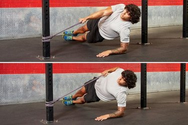 25. Side Plank and Cable Row