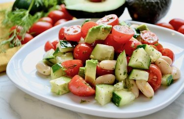 Tomato and White Bean Salad With Herbs oven-free, hydrating dinner recipes