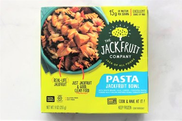 The Jackfruit Company Pasta Jackfruit Bowl is a frozen vegetarian entrée that gets much of its plant protein from chickpeas, pea protein, and white beans.