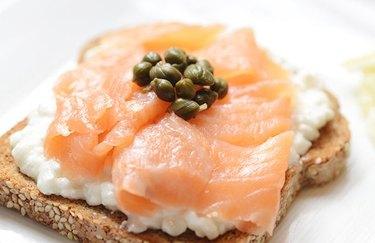 Smoked Salmon Breakfast Sandwich 300 calorie breakfast recipe.