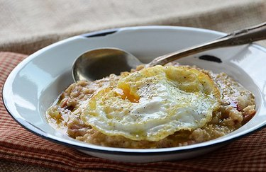 Savory Oatmeal Topped With a Fried Egg bloat-fighting low-FODMAP recipe.