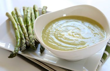Slow Cooker Asparagus Soup vegetarian slow cooker recipes