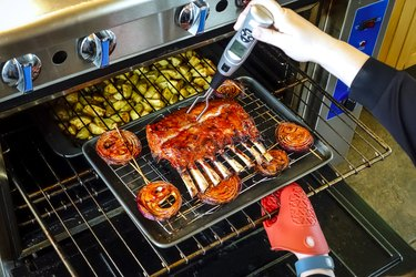 Baking rack of lamb