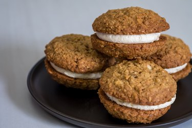 Oat Cookie Sandwiches