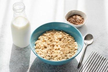 Calories in oatmeal oatmeal calories healthy breakfast porridge in bowl milk