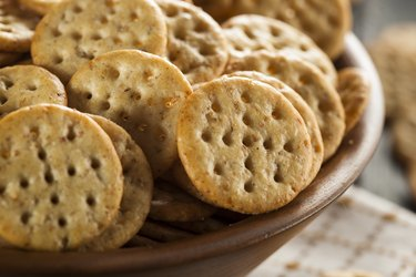 A bowl of crackers as an example of foods that are bad for teeth