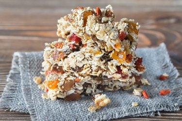 Homemade granola bars made of quinoa