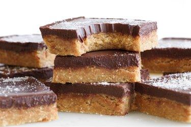 No-Bake Vegan Protein Bars homemade granola bars