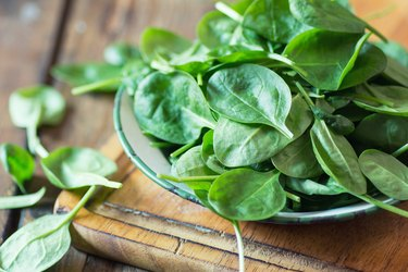 Spinach is high in magnesium, a natural remedy for headache