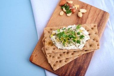 Crispbread with Cream Cheese and fresh herbs
