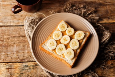 Peanut butter sandwich with fruits
