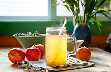 Hot apple cider vinegar and honey drink, as a natural remedy for cough