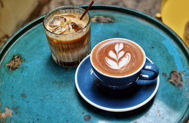 ice and hot cafe latte