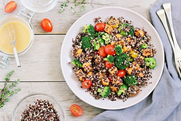 Quinoa salad with broccoli, sweet potatoes and tomatoes
