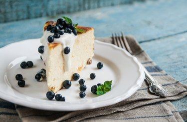 sour cream substitute cottage cheese baked pudding, sour cream and blueberries